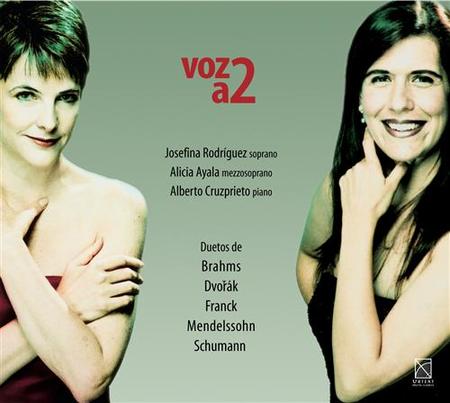 Two Voices / Voz a Dos